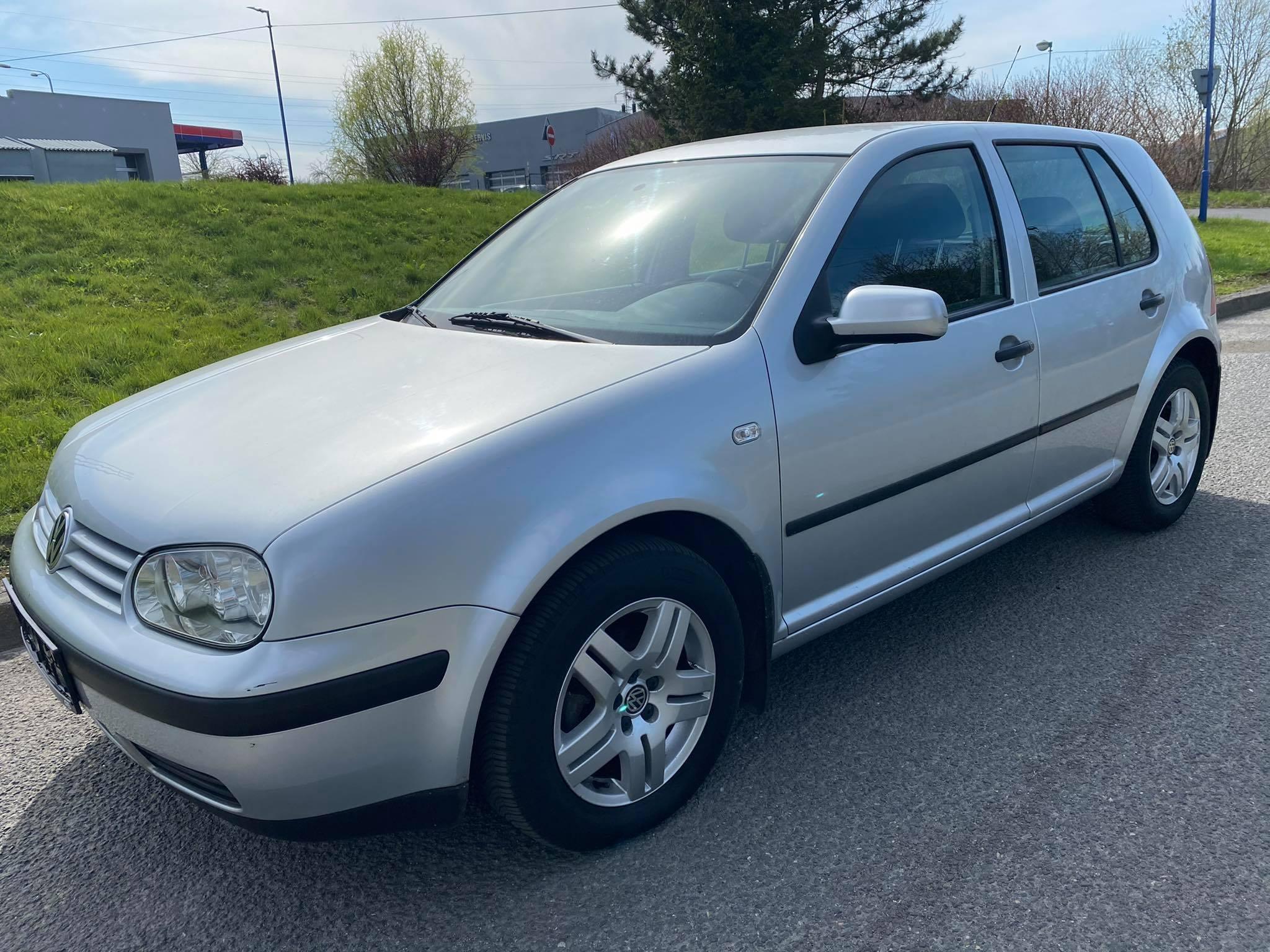 VW Golf 1,4i -klima,webasto,pěkný