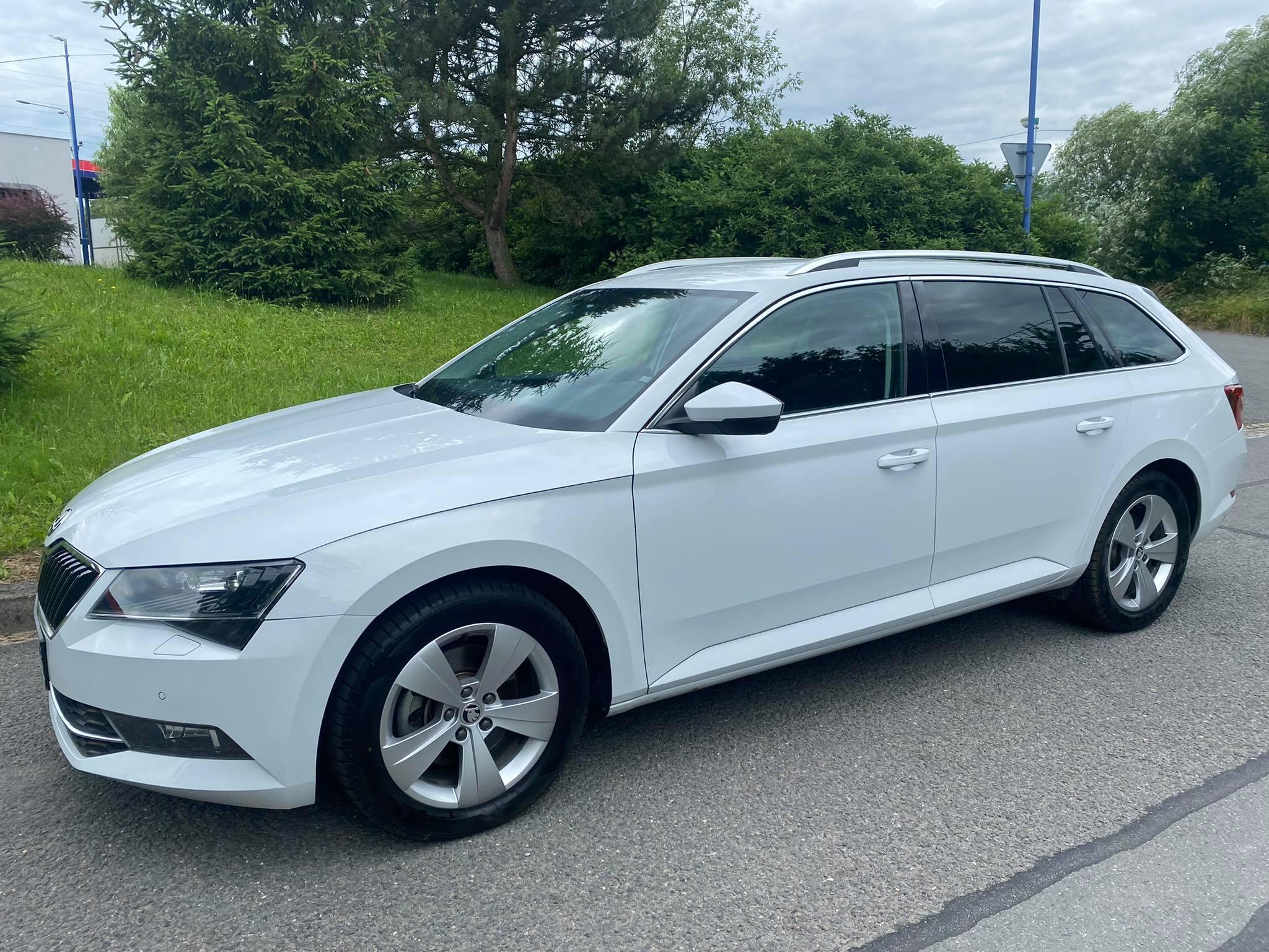 Škoda Superb 2,0TDi -bixenon, 1.maj